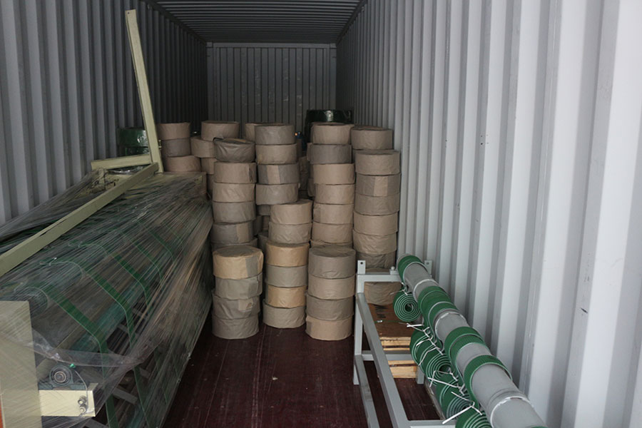 máquinas e peças de reposição para folheado de madeira exportadas para o Gabão
